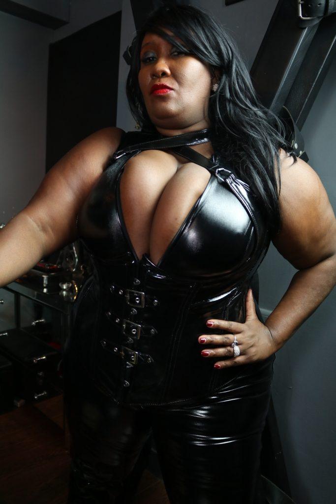 BBW Black Mistress TOUR