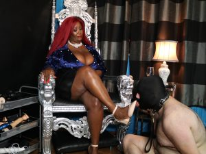 dominatrix sessions in London with Madame Caramel